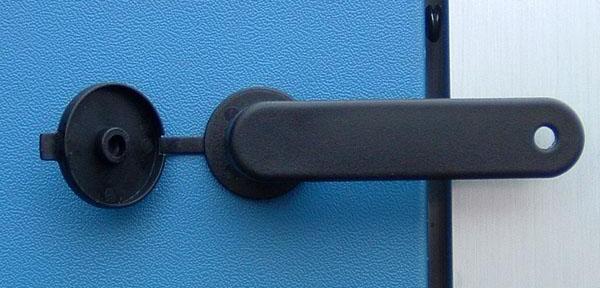 Maniglia-in-nylon,-chiusura-removibile.jpg